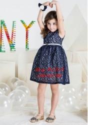 3237. Váy ren DKNY thắt lưng màu tím than mặc TẾT-550vas