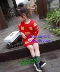 3266. Bộ áo +b chân váy len gấu HQ màu đỏ 382bpd