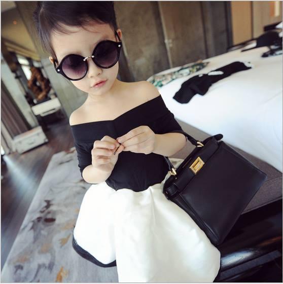 V372 Váy liền đen trắng trễ vai sang chảnh cho gái iu 2,5T - 6T (13kg - 23kg )