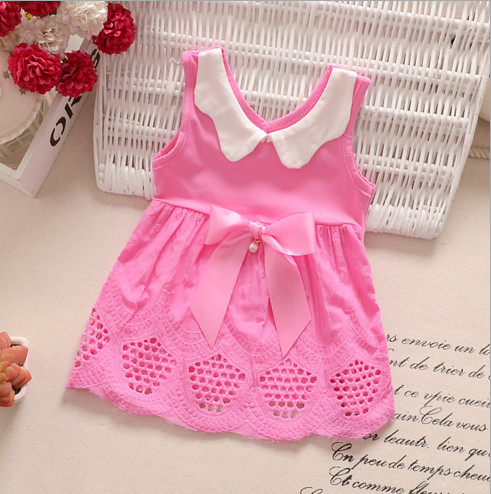 V2079 Váy hồng cổ trắng chân váy đục lỗ cho bé 3th - 18th (5kg - 11kg)