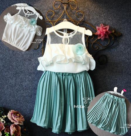V2089 - Bộ gồm áo trắng sát nách kèm chân váy voan xanh xếp ly cho bé 2,5t - 6t (13kg - 22kg)