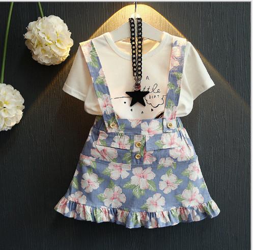 V2103 - Bộ áo phông trắng kèm váy yếm hoa xanh cho bé 2,5t - 5t (13kg - 19kg)