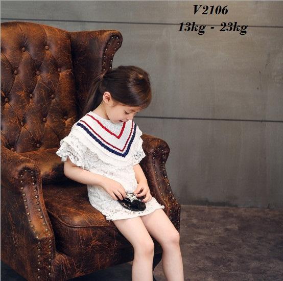 V2106 - Váy ren trắng trang trí viền ngực xanh đỏ cho bé 2,5t - 6t (13kg - 23kg)