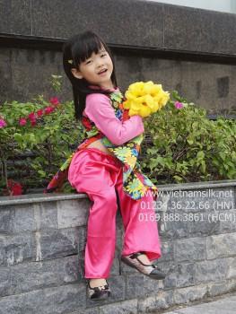 Áo dài bé gái cách tân.AT98.Hoa cúc gỗ pha tay hồng