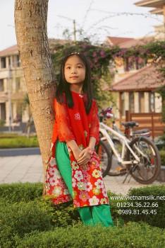 Áo dài bé gái Mùa xuân đỏ.AT100