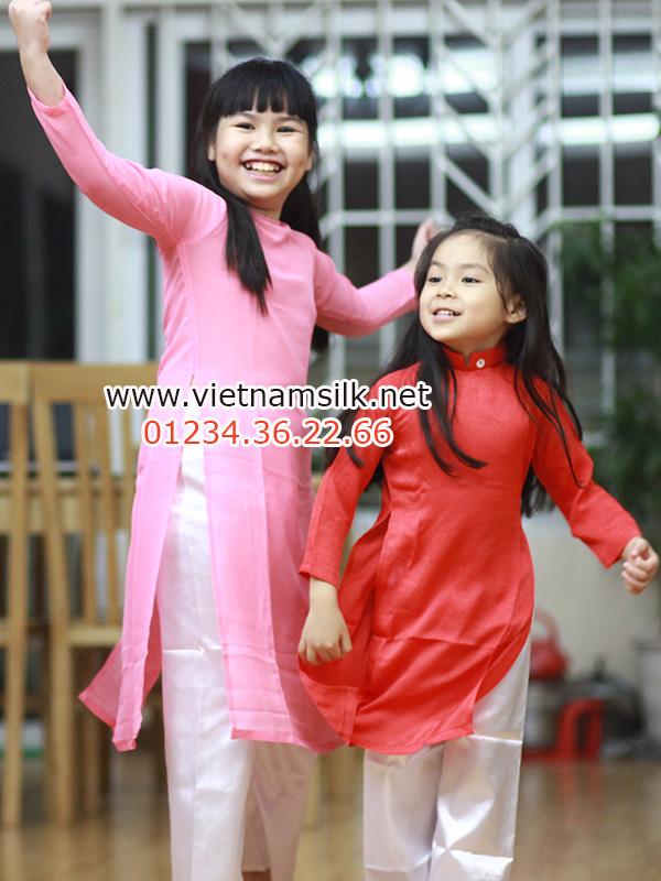 sản phẩm áo dài lụa trơn cho bé gái