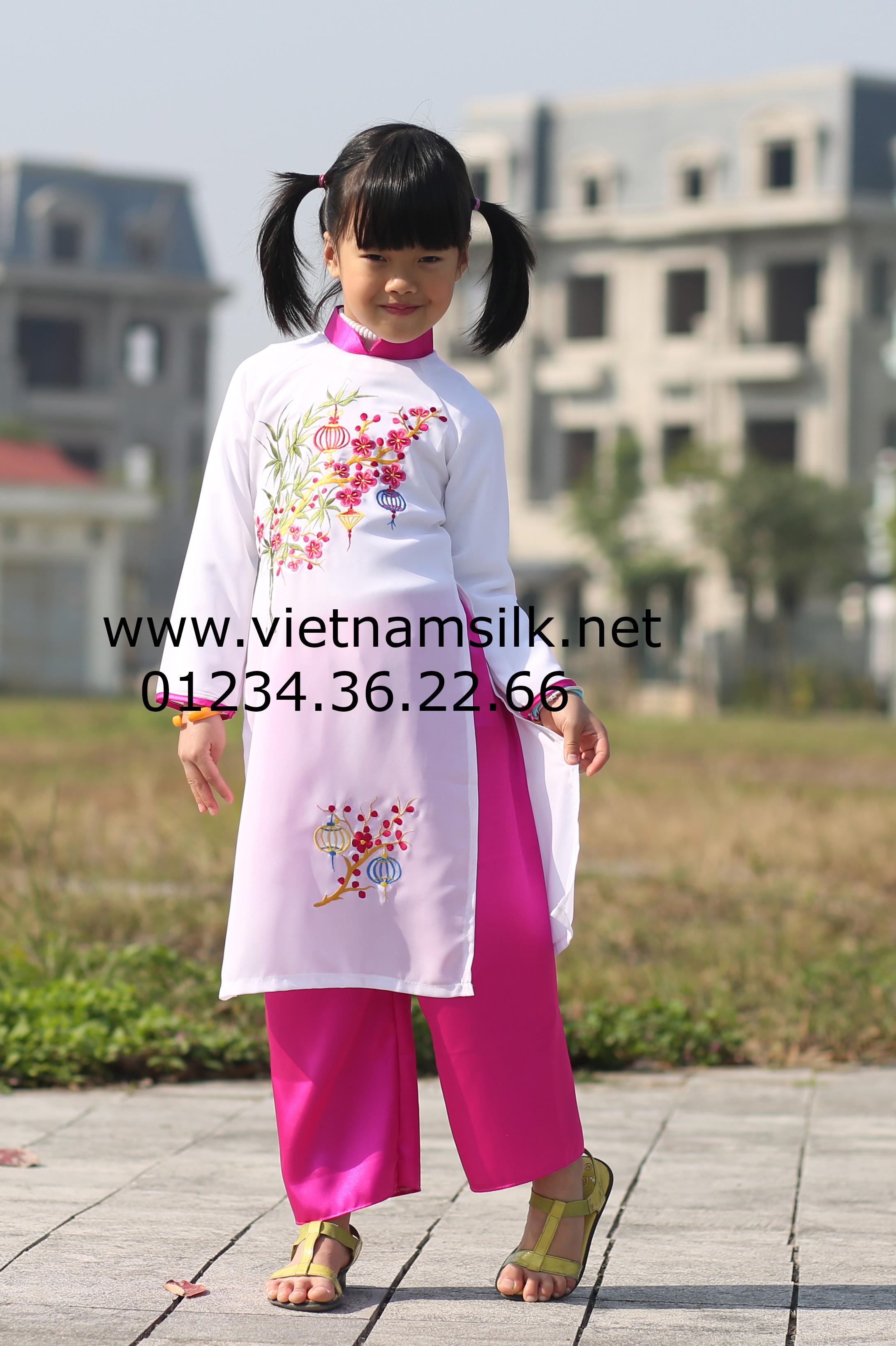 áo dài thêu hoa đào phai cho bé gái