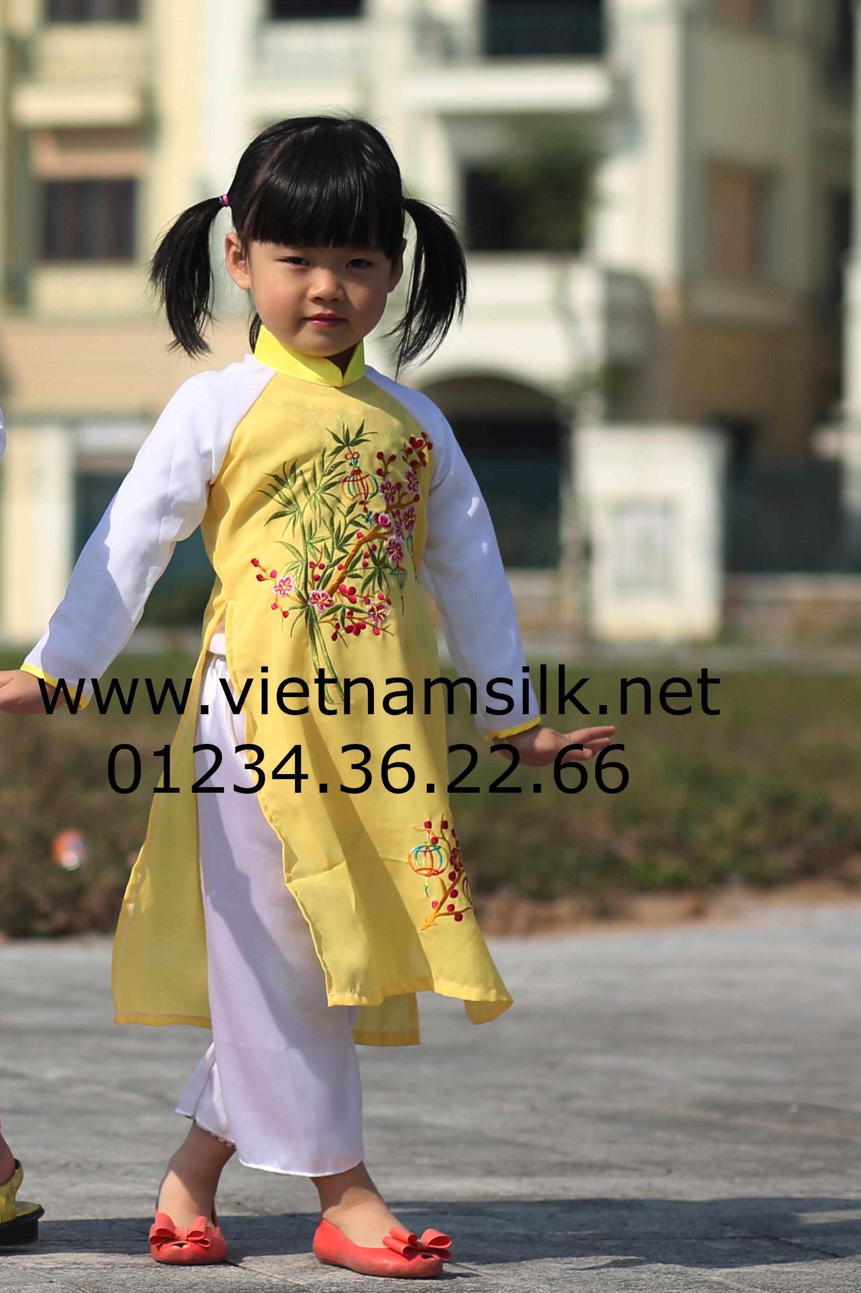 áo dài thêu hoa cho trẻ em
