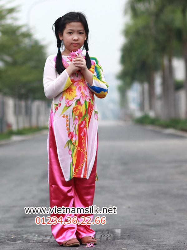 áo dài voan truyền thống cho bé gái