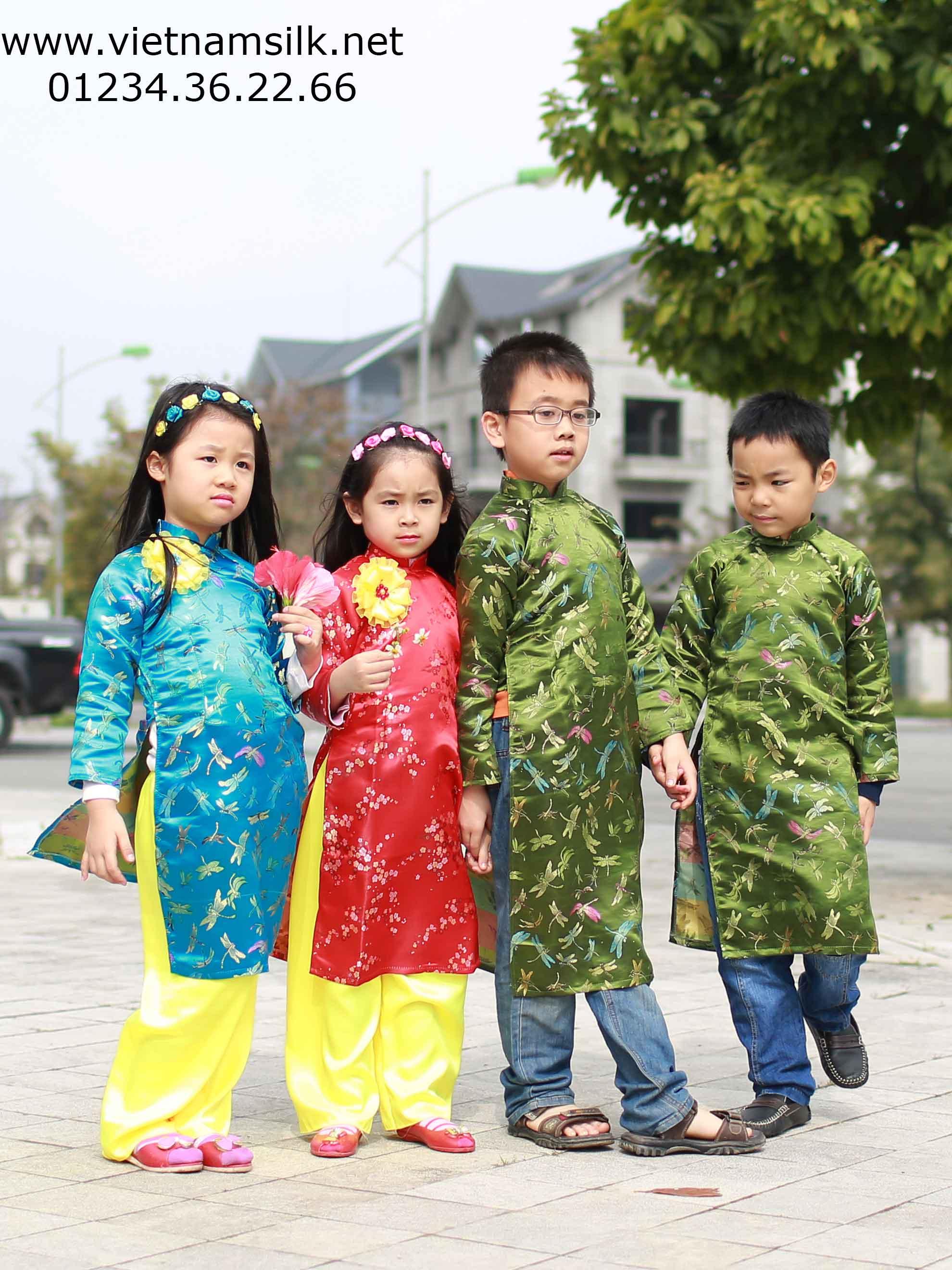 Áo dài họa tiết chuồn chuồn cho bé gái