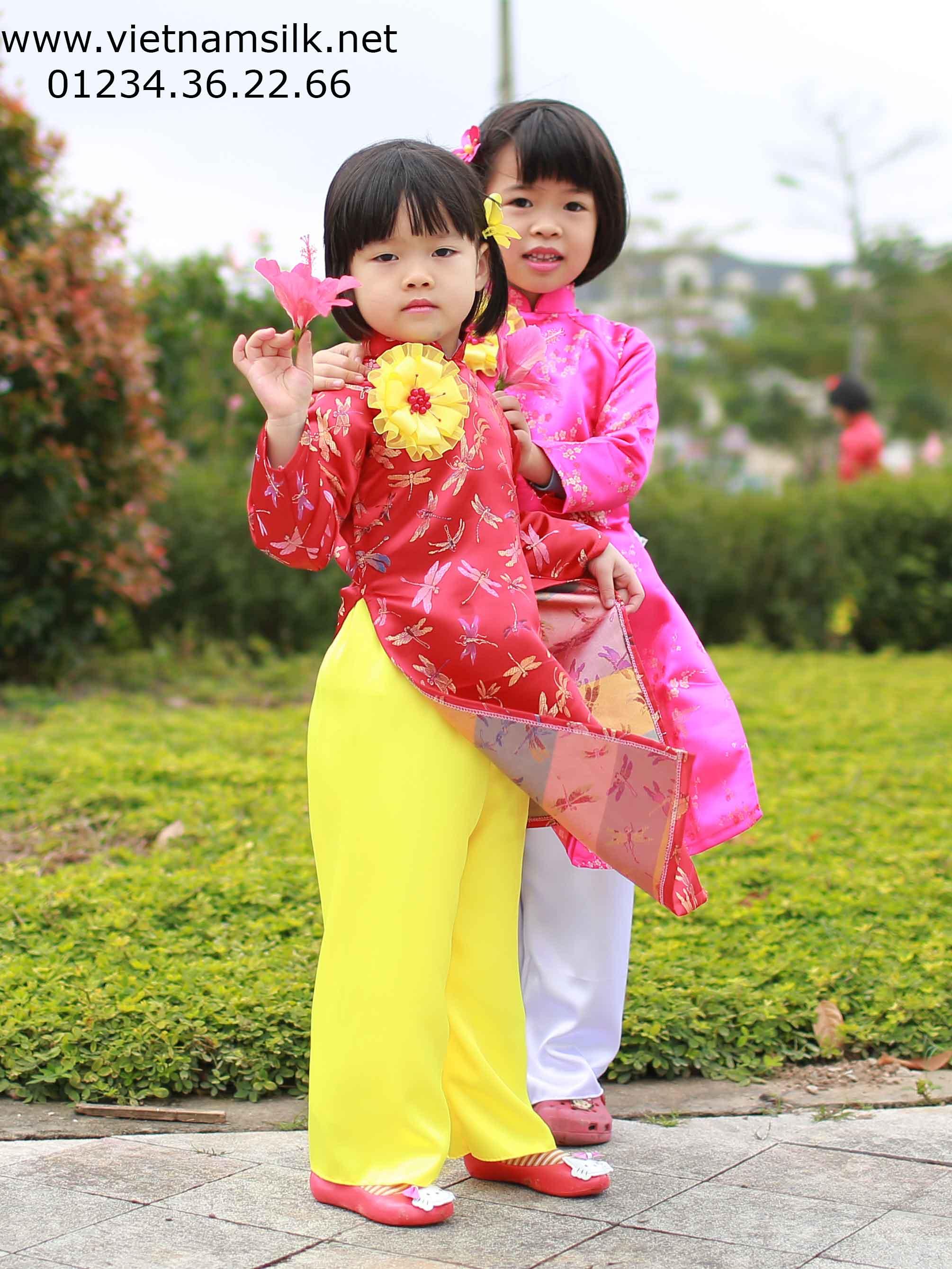 Áo dài tết cho bé gái
