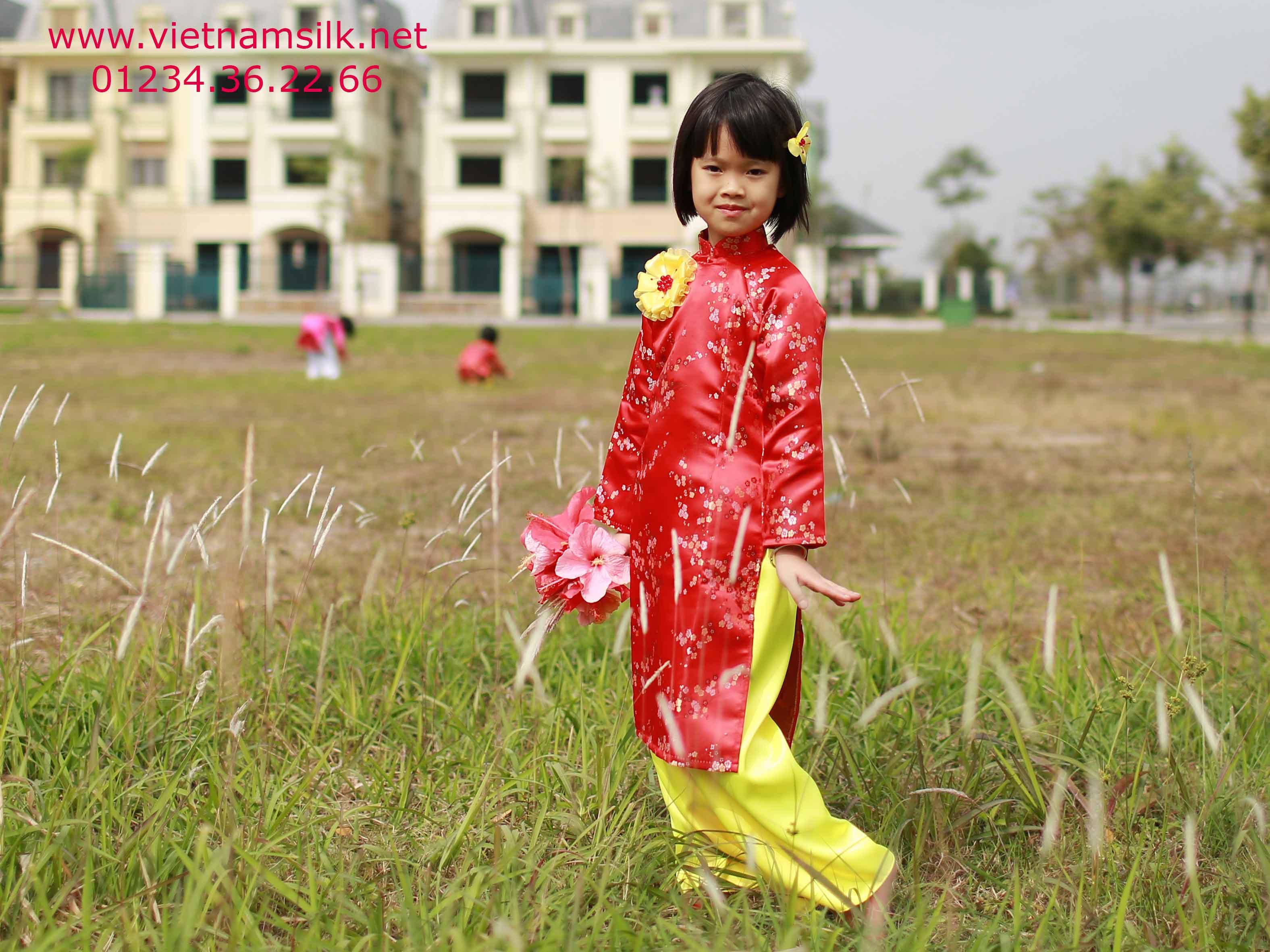 Áo dài hoa mai nền đỏ cho bé - Vietnamsilk