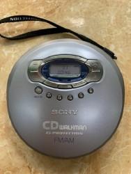 MÁY NGHE ĐĨA CD WALKMAN ,  MÁY CD CẦM TAY SONY D-FJ61