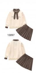 13097. Bộ áo nỉ cavat + chân váy kẻ xếp ly.