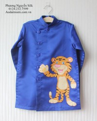 Áo dài vẽ cho bé trai hình con hổ 2
