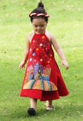 Áo dài yếm cho bé gái màu đỏ