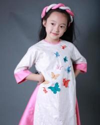 Áo dài cách tâm Tấm cám thêu bướm cho bé gái