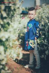 Áo dài cho bé trai vẽ cây nêu ngày tết