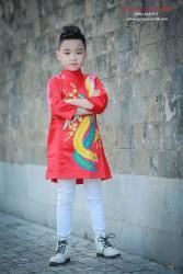 Áo dài vẽ chim phượng màu đỏ cho bé trai