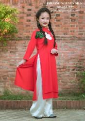 Áo dài trẻ em cách tân cho bé gái Voan lụa đỏ thêu sen (Mẫu sen trên vai)