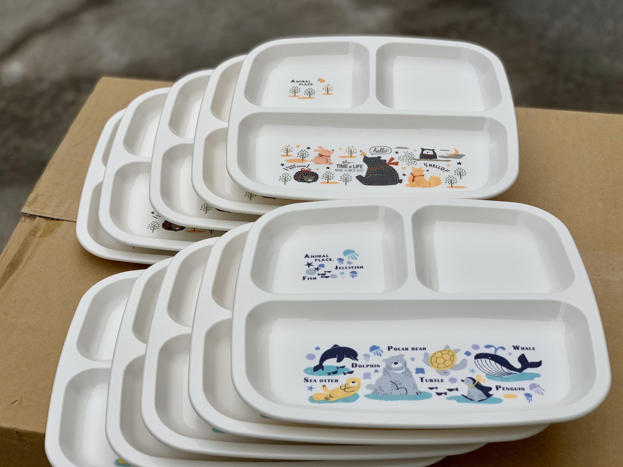 Khay ăn chia 3 ngăn cho bé hình cá voi