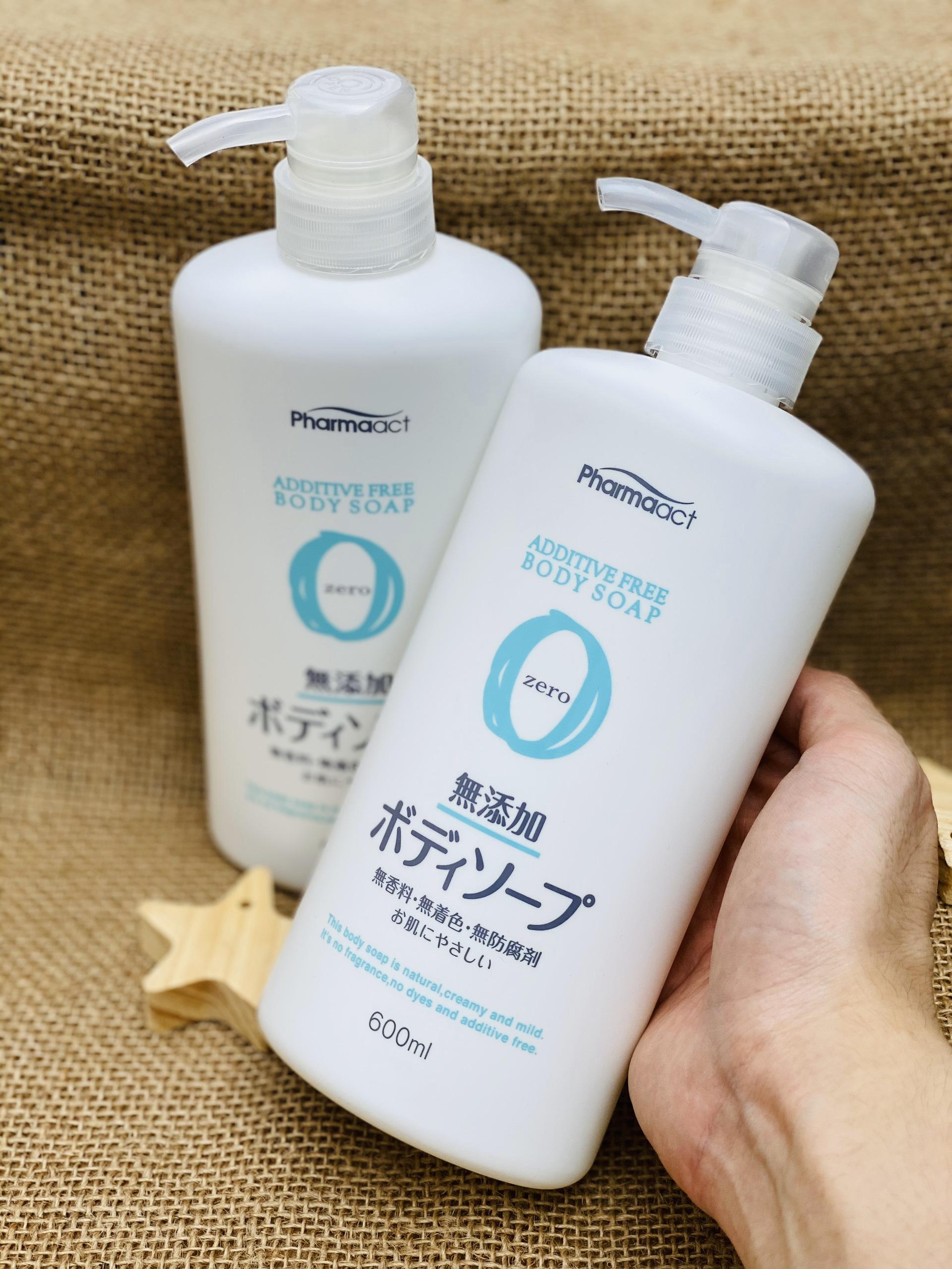 Sữa tắm tinh chất thiên nhiên Pharmaact 600ml
